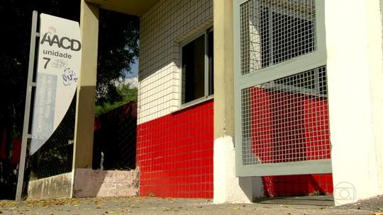 Anúncio de fechamento de unidade da AACD em Nova Iguaçu, no RJ, deixa famílias de pacientes apreensivas