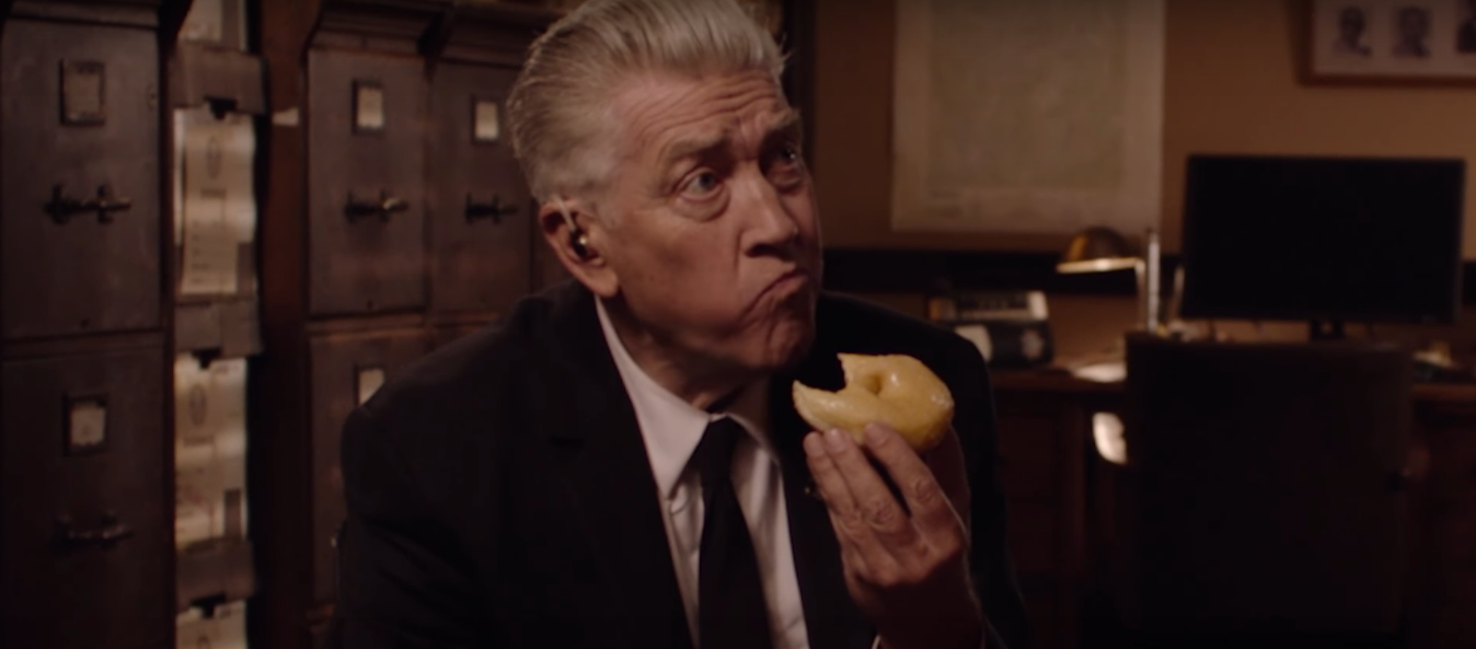 David Lynch em vídeo promocional de Twin Peaks (Foto: Reprodução/Youtube)