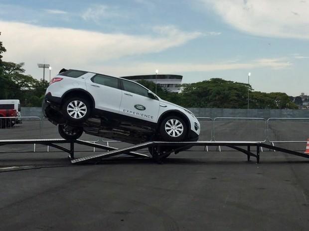 Test-drive da Land Rover no Salão do Automóvel (Foto: Reprodução)