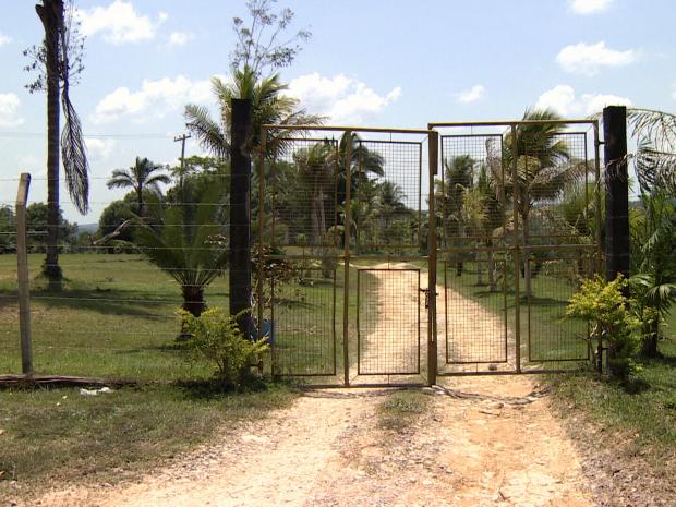 Denúncia de entrega de brindes levou TRE-AM para sítio na AM-010 (Foto: Reprodução/TV Amazonas)