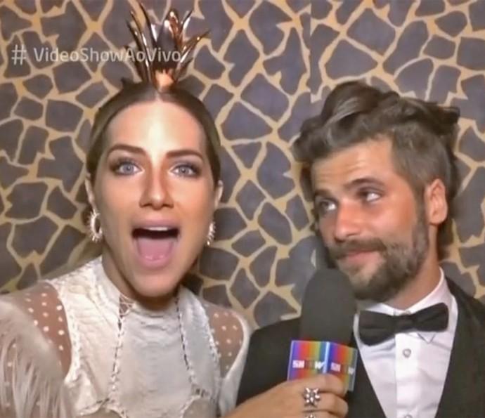 Giovanna Ewbank se surpreende com figurino de Bruno Gagliasso (Foto: Vídeo Show / TV Globo)