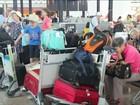 Erupção de vulcão faz empresas cancelarem centenas de voos em Bali