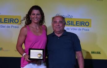 Larissa e Bruno Schmidt são eleitos os melhores do vôlei de praia em 2015/16