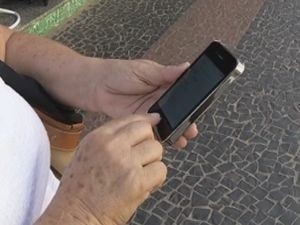 Celulares são um dos objetos preferidos de ladrões em Marília  (Foto: reprodução/TV Tem)