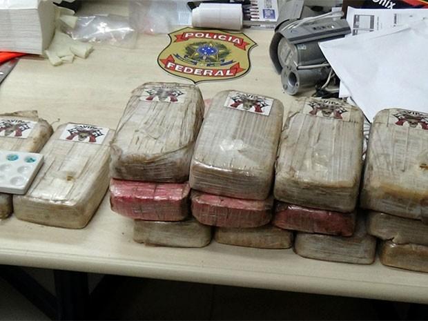 PF e PM prendem cearenses com 22 quilos de crack no RN  (Foto: Divulgação/PF)