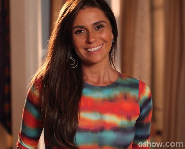 Cabelo de Clara fica simples e elegante com a escova (Foto: Carol Caminha/TV Globo)