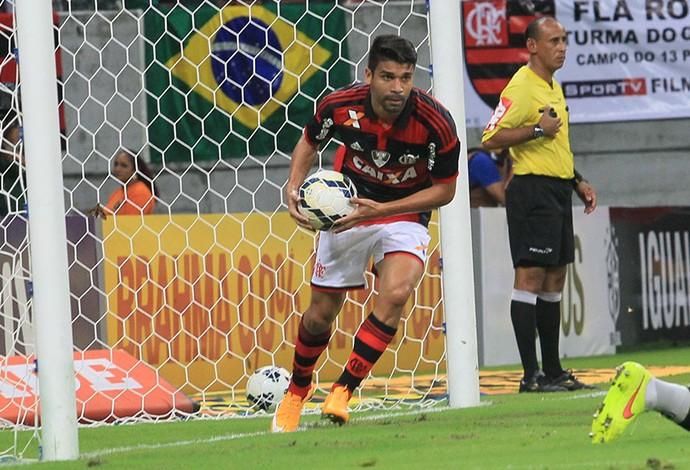 Eduardo da Silva e Jefferson Botafogo x Flamengo (Foto: Danilo Mello / Ag. Estado)