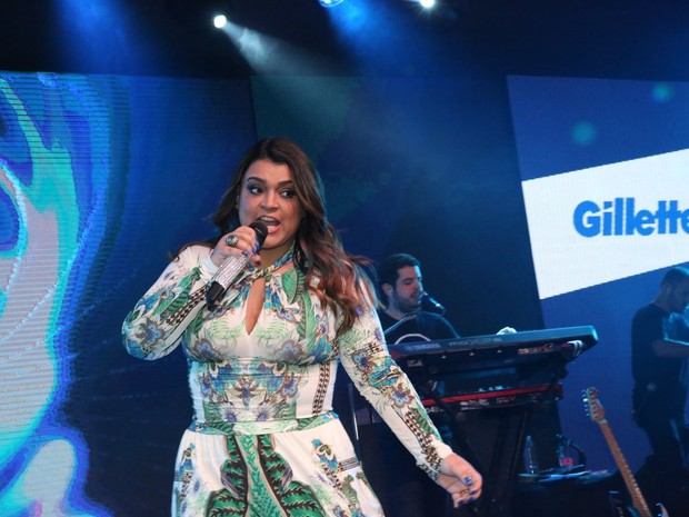 Preta Gil canta em evento em shopping na Zona Oeste do Rio (Foto: Denilson Santos/ Ag. News)