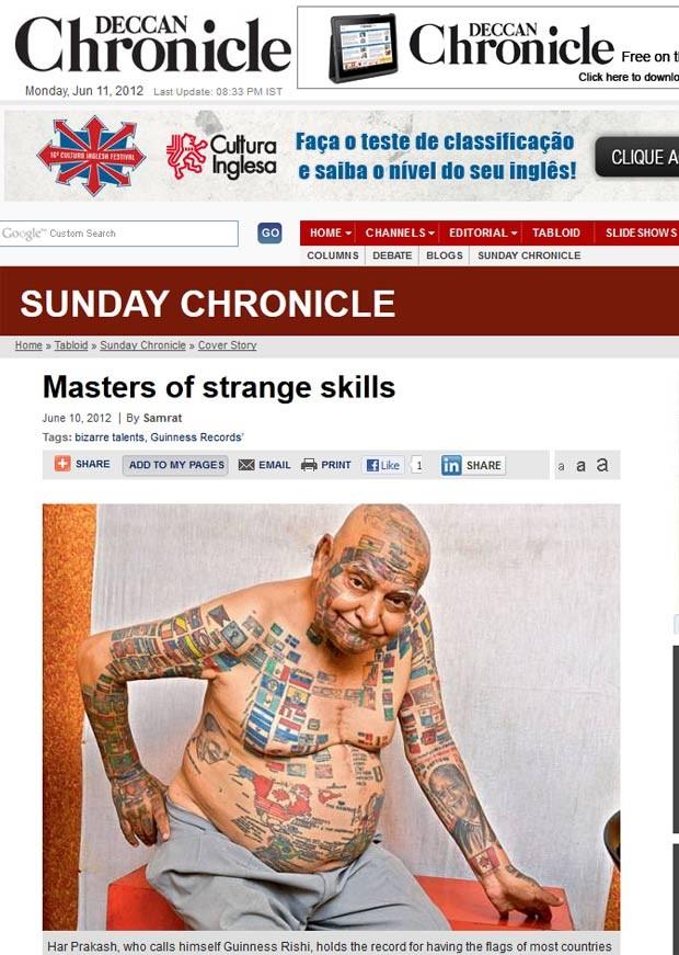 Har Prakash exibe 305 bandeiras e 185 mapas tatuados pelo corpo. (Foto: Reprodução)