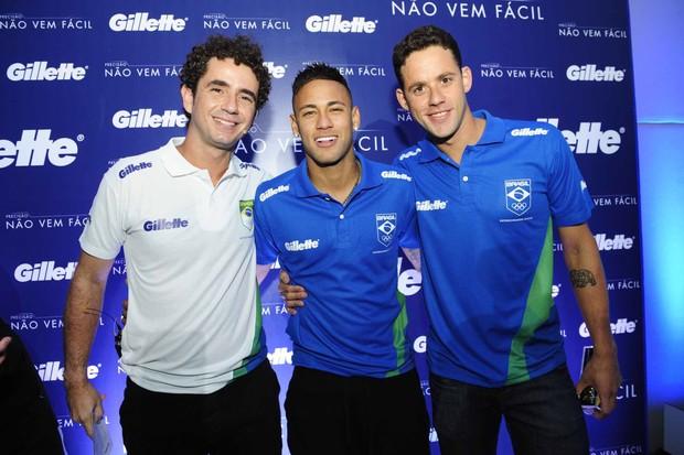 Neymar, Thiago Pereira e Felipe Andreoli (Foto: Samuel Chaves/Brazil News)