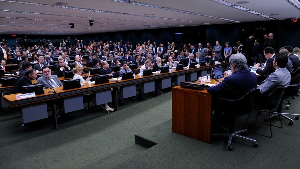 O plenário da CCJ da Câmara, durante a análise da denúncia contra o presidente Michel Temer (Foto: Cleia Viana / Câmara dos Deputados)
