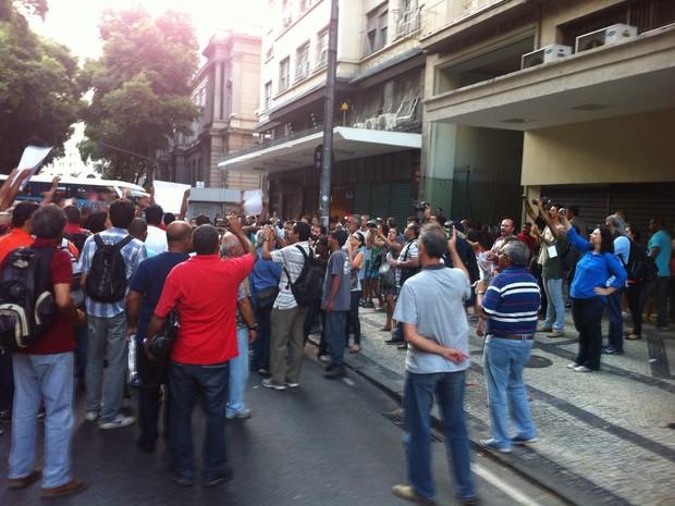 Grupos trocaram provocações e houve briga (Foto: Daniel Silveira/G1)