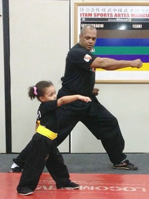 Alice Fátima Kung Fu Baby projeto crianças Uberaba (Foto: Wilker Rodrigues/ Arquivo Pessoal)