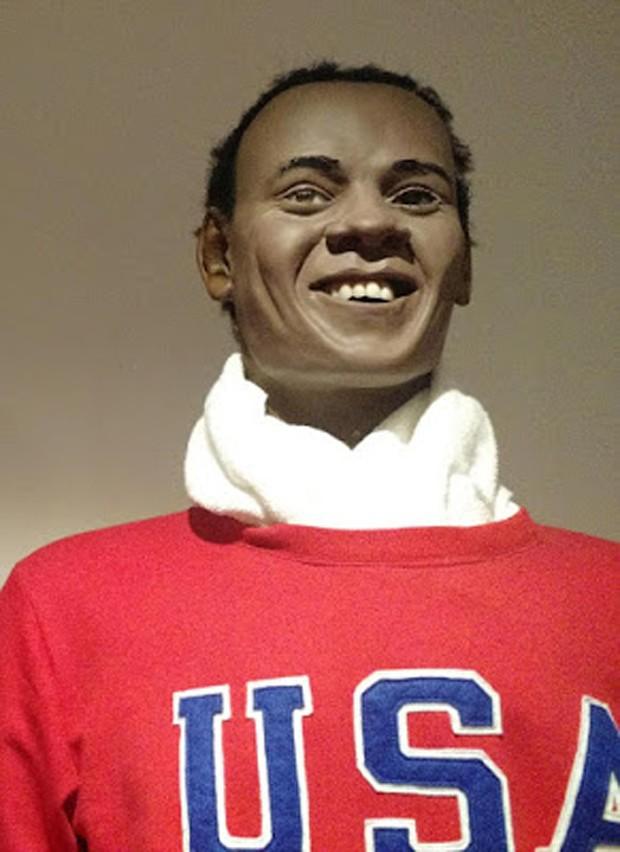 Estátua de cera de Jesse Owens (Foto: Reprodução)