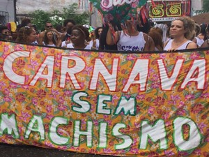 Bloco protestou contra o machismo no carnaval  (Foto: Rafael Teles / G1)