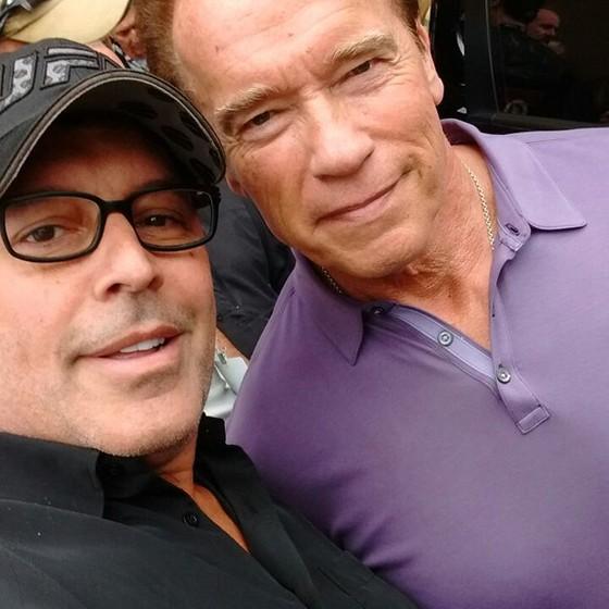 O ator Alexandre Frota publicou nas redes sociais uma selfie ao lado de Arnold Schwarzenegger  (Foto: Reprodução Instagram)