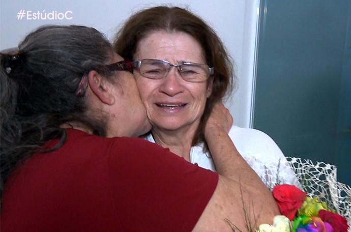 Dona Irena foi homenageada pela família e pelo Estúdio C no Dia das Maes (Foto: Reprodução/RPC)