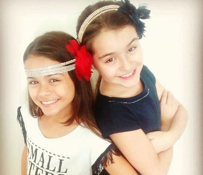 Isabella Aguiar e a irmã, Rachel Aguiar, cantam dueto desde bem pequenininhas (Foto: Arquivo Pessoal)