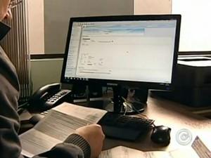 Fim do prazo de entrega do IR mopimenta escritórios de contabilidade de Itapetininga (Foto: Reprodução/ TV TEM)