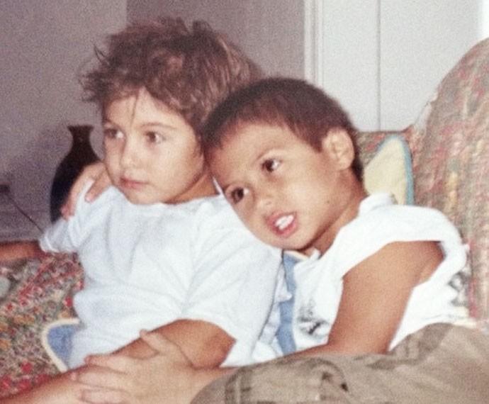 Ombro de irmão é melhor que qualquer travesseiro (Foto: Arquivo pessoal)