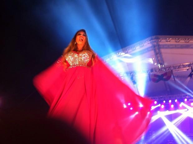 Concorrentes esbanjaram glamour em apresentações dos concursos (Foto: Prefeitura de São José/Divulgação)