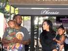 Look do dia: Kim Kardashian aposta no pretinho em passeio com a família