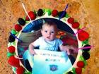 Bolo de aniversário de Fergie tem foto do fofíssimo Axl