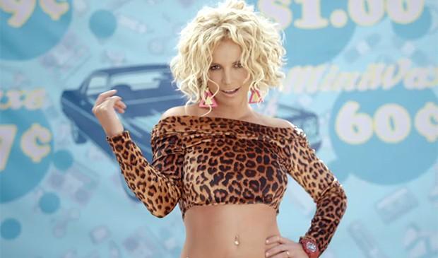 Britney exibe boa forma no clipe  (Foto: Reprodução)