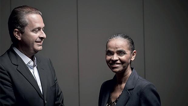 CASAMENTO Eduardo Campos e Marina Silva  no anúncio da coligação. Os estilos dos dois eram diferentes (Foto: Na Lata/Editora Globo)