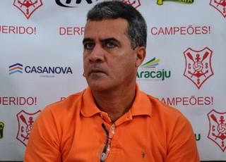 Vinicius Saldanha é o novo técnico colorado (Foto: Felipe Martins/GLOBOESPORTE.COM)