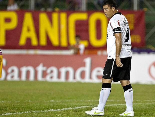 Ronaldo Corinthians x Tolima (Foto: Ag. Estado)