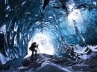 Fotógrafo revela beleza em cavernas de maior geleira da Europa