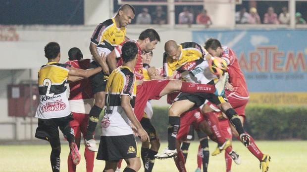 Noroeste x Criciúma, Copa do Brasil (Foto: Cristiano Zanardi / Agência Bom Dia)