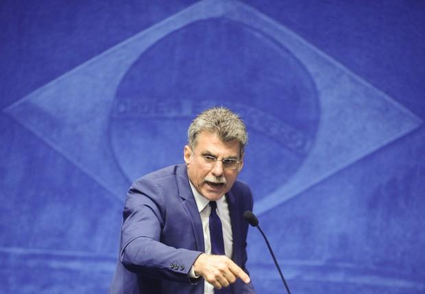 O senador Romero Jucá (PMDB-RR) em sessão ordinária no Congresso (Foto: Marcos Oliveira/Agência Senado)