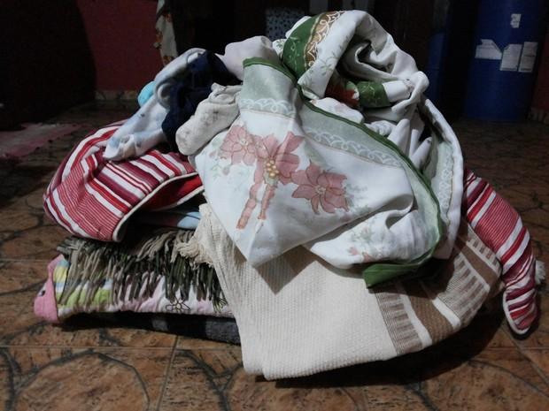 Roupa suja se acumula nas casas dos dois bairros em Brodowski (Foto: Divulgação/Arquivo pessoal)