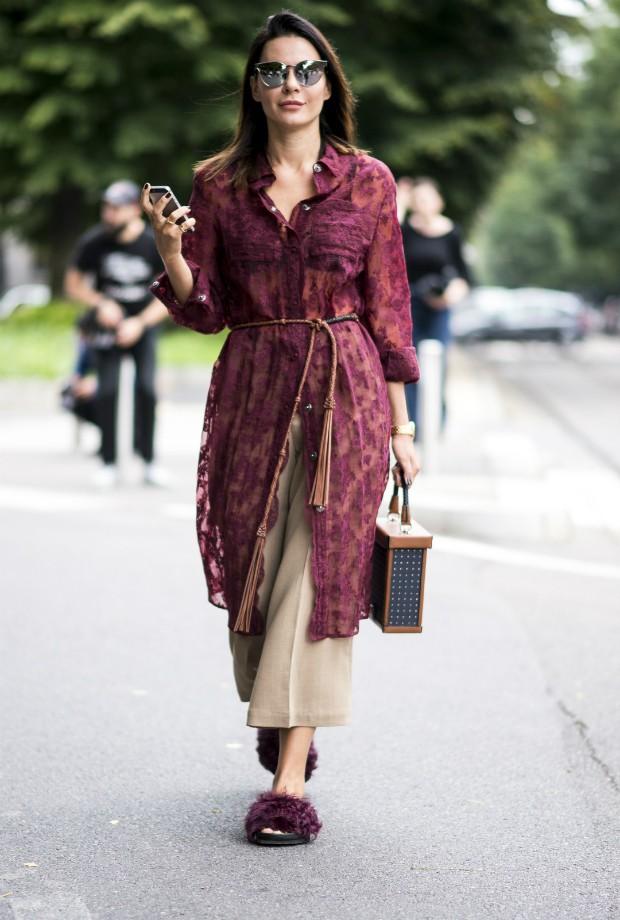 Combine a calça com vestido e crie um combo estiloso (Foto: Imaxtree)