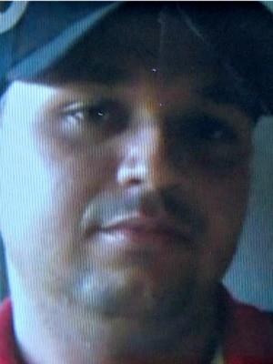 Homem foi morto a tiros dentro de casa em Rio Branco  (Foto: Reprodução/Rede Amazônica Acre)