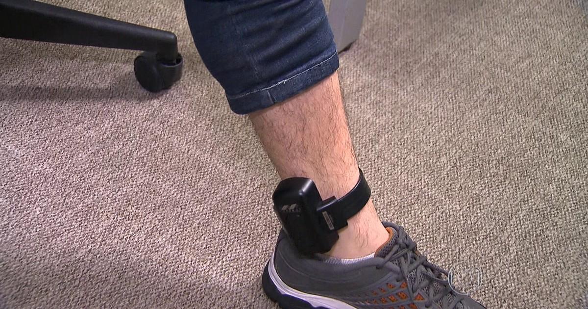 Resultado de imagem para tornozeleiras eletronicas