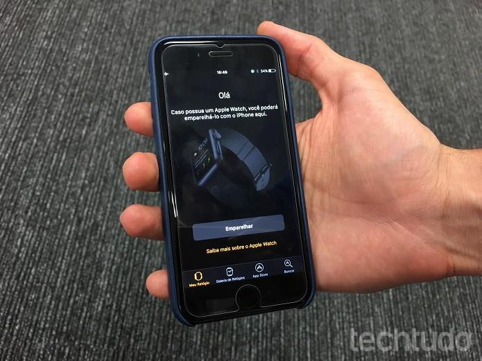"""Clique em """"Emparelhar"""" no menu inicial do aplicativo """"Watch""""  (Foto: Victor Teixeira/TechTudo)"""