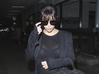 Flash deixa blusa transparente e Kim Kardashian acaba mostrando demais