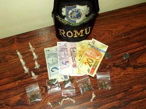 Homem é preso por tráfico de drogas em Valinhos, SP, após denúncias (Foto: Divulgação/Guarda Municipal de Valinhos)