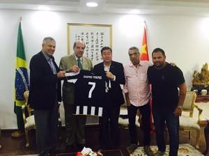 Encontro Botafogo com consul chinês (Foto: Divulgação)