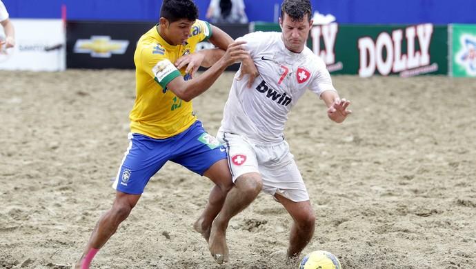 8f4f2616b7 Cearense da seleção de futebol de areia sonha com projeto social ...