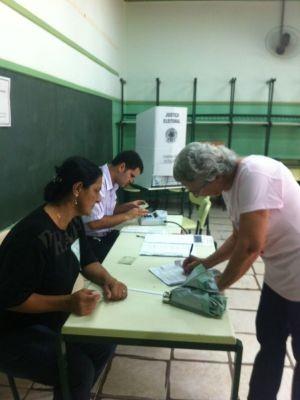 Eleições seguem tranquilas em Fernão (Foto: André Bordim/ TV Tem)