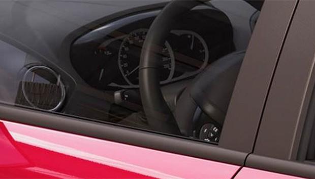 Parte do painel do novo Ford Ka sedã (Foto: Reprodução)