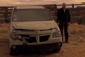 Walter-White-e-seu-Pontiac-Aztek (Foto: Reprodução)