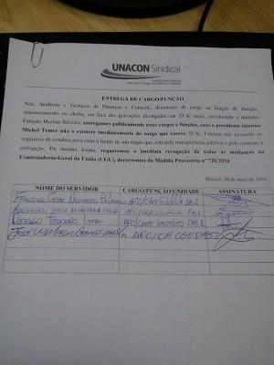 Documento assinado pelo chefe do CGU e outros servidores que também ocupam posições de chefia. Eles entregaram os cargos nesta segunda (30) (Foto: Marcos Antônio Ferreira Calixto/ Arquivo Pessoal)