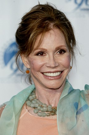 Mary Tyler Moore em 2002 no Paramount Pictures 90th Anniversary Gala em Los Angeles, California. (Foto: Agência Getty Images)