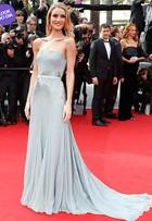 Look do dia: Rosie Huntington mostra glamour de sobra em Cannes