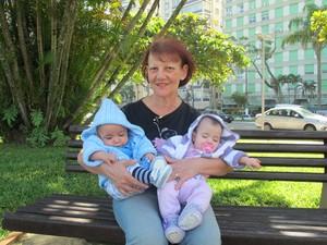 Aos 61 anos, Antônia comemora primeiro Dia das Mães (Foto: Anna Gabriela Ribeiro/G1)